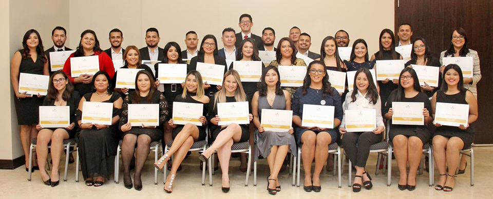 Grupo-graduación_IV_edición.jpg