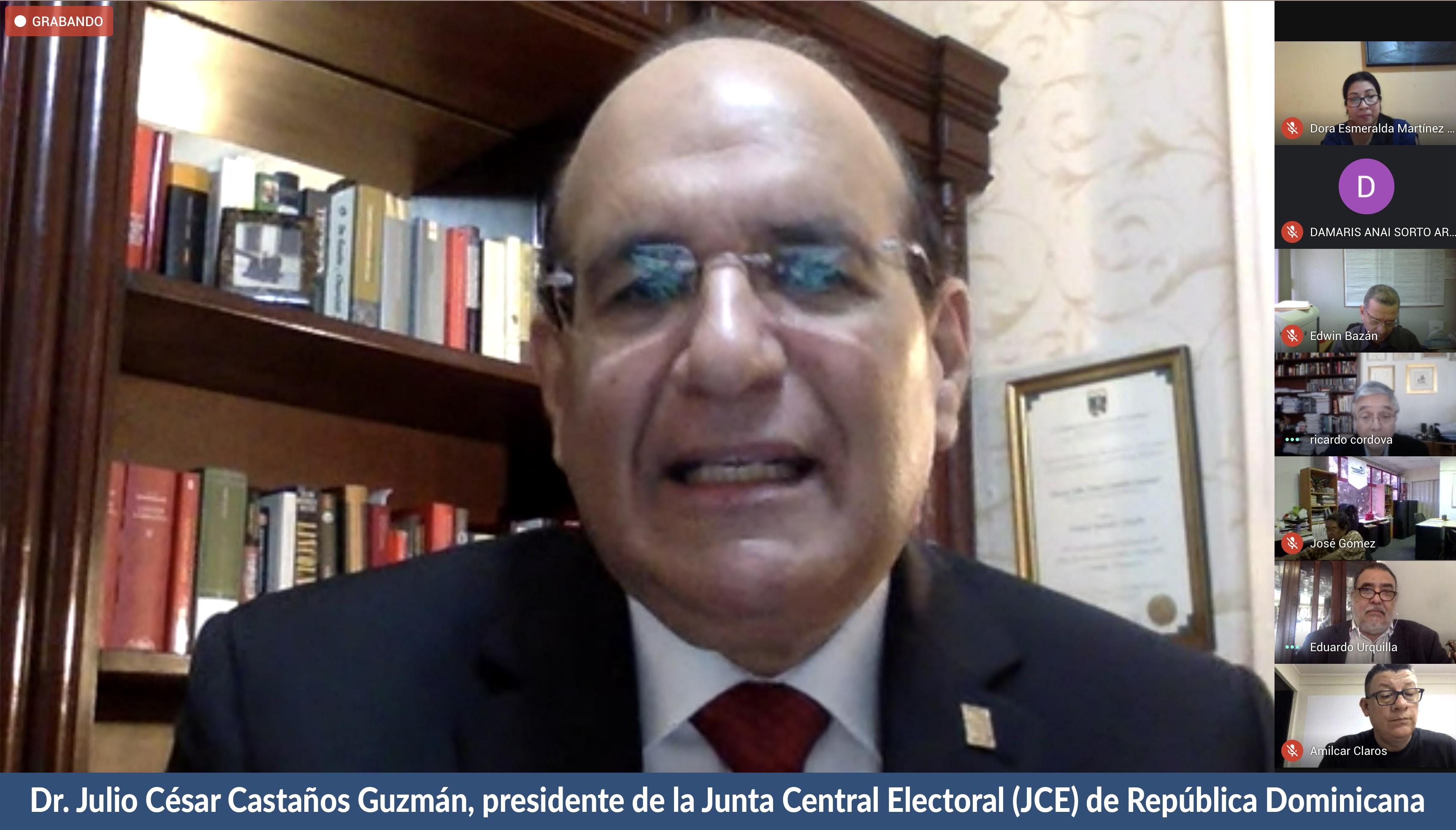 Dr._Julio_César_Castaños.jpg